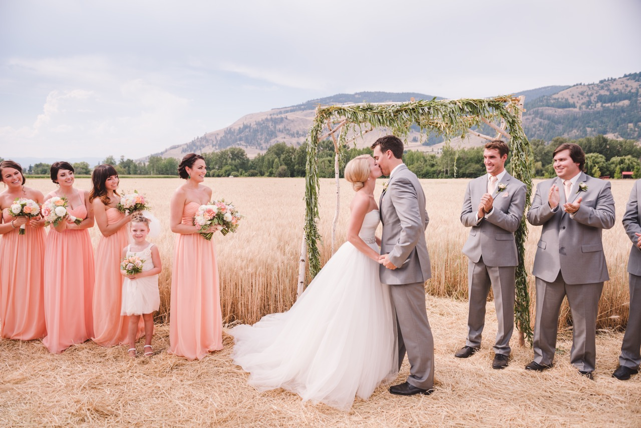 Vernon Wedding Photographer Silver Sage Stables Wedded Bliss Photography Kelowna Wedding